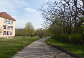 Kastanienweg, Bernburg, Salzlandkreis, Sachsen-Anhalt, Deutschland 06406, 3 Rooms Rooms,3-Raum-Wohnung,Mieten,Kastanienweg,1060